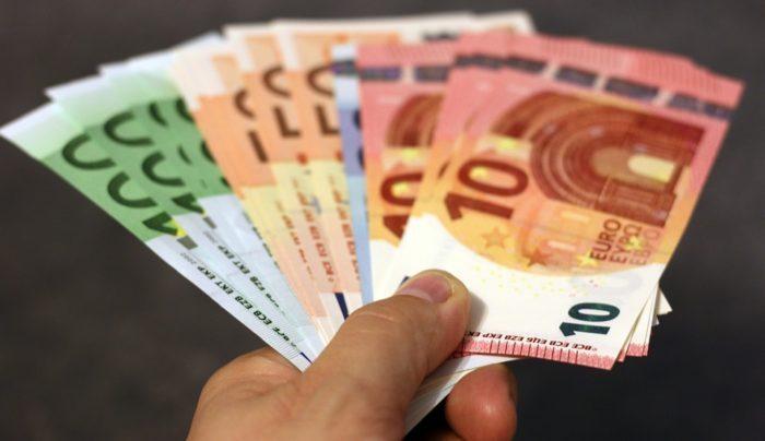 euros certificado de paternidad y maternidad